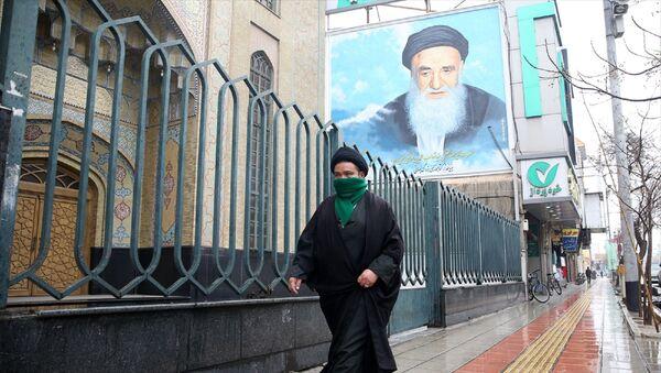 İran - İran'ın Kum kentinde koronavirüs önlemleri - Sputnik Türkiye