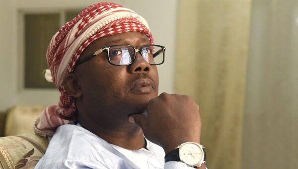 Gine Bissau'da muhalefetin adayı olarak kazandığıikinci tur seçimin oyları 4.kez sayılan yeniCumhurbaşkanı Umaro Sissoco Embalo - Sputnik Türkiye