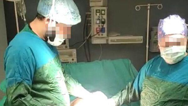 Özel hastanede yetkisiz estetik - Sputnik Türkiye