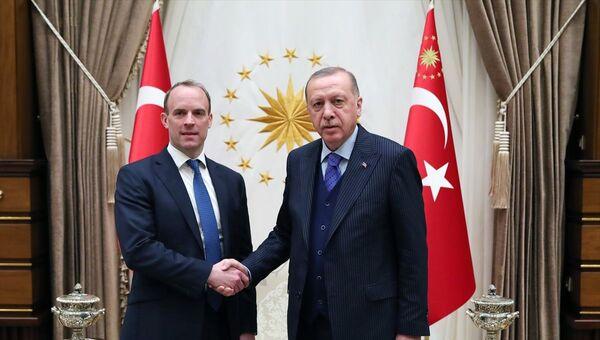 CumhurbaşkanıRecep Tayyip Erdoğan, İngiltere Dışişleri BakanıDominic Raab ile görüştü - Sputnik Türkiye