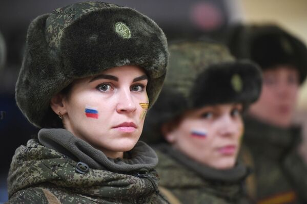 Rus kadın askerler arasında güzellik yarışması - Sputnik Türkiye