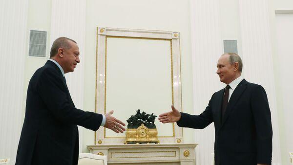 Türkiye Cumhurbaşkanı Recep Tayyip Erdoğan ve Rusya Devlet Başkanı Vladimir Putin, Moskova'da bir araya geldi. - Sputnik Türkiye