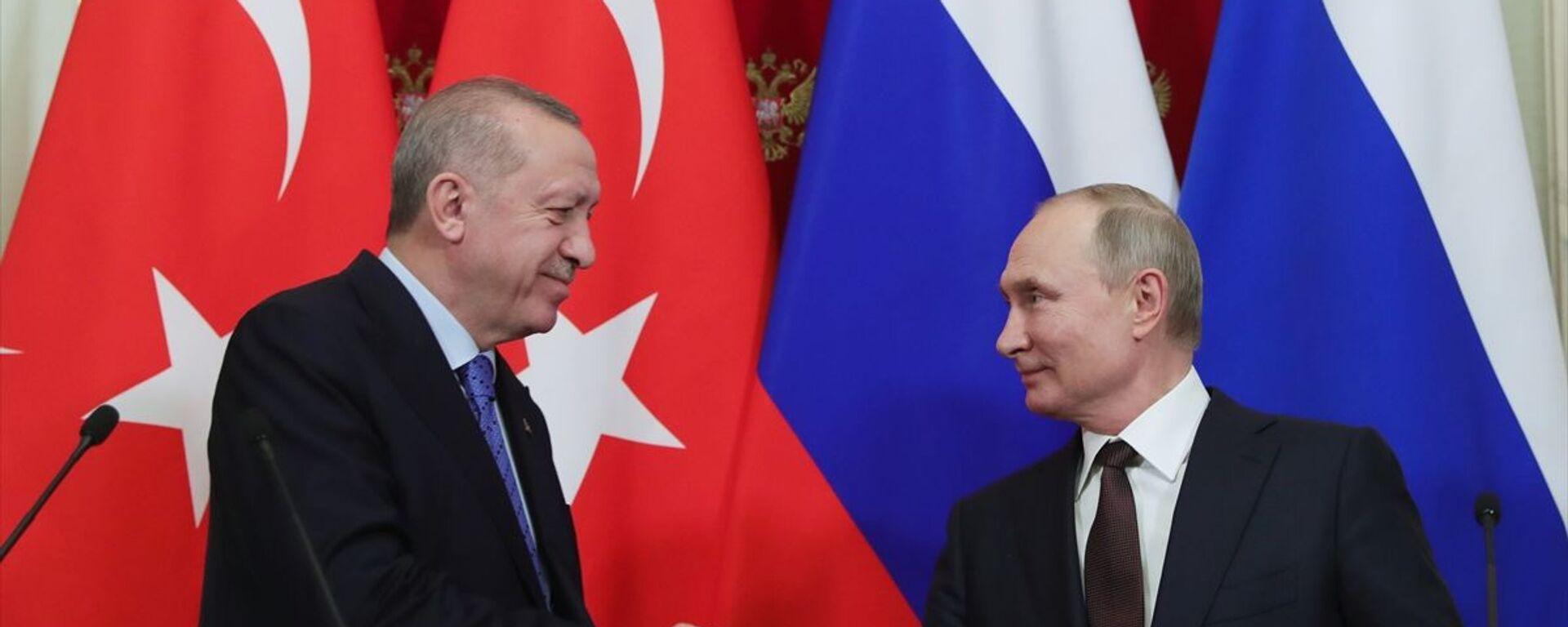 Türkiye Cumhurbaşkanı Recep Tayyip Erdoğan ile Rusya Devlet Başkanı Vladimir Putin - Sputnik Türkiye, 1920, 27.09.2021