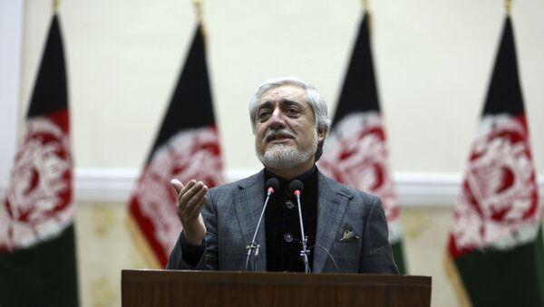 Afganistan Cumhurbaşkanı adaylarından olan Abdullah Abdullah, Bağımsız Seçim Komisyonu'nun açıkladığı sonuçları tanımadığını belirterek kendi seçim zaferini ilan etti. - Sputnik Türkiye