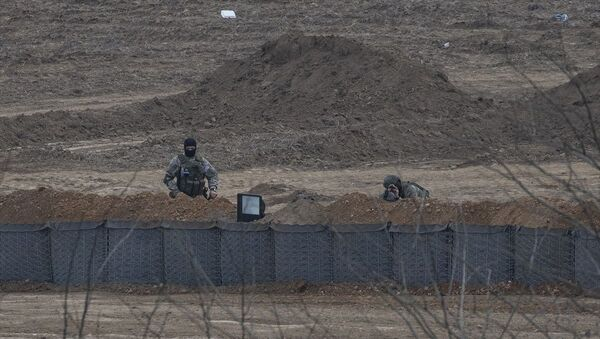 Yunanistan hudut birlikleri sınır hattına siper kazıyor - Sputnik Türkiye