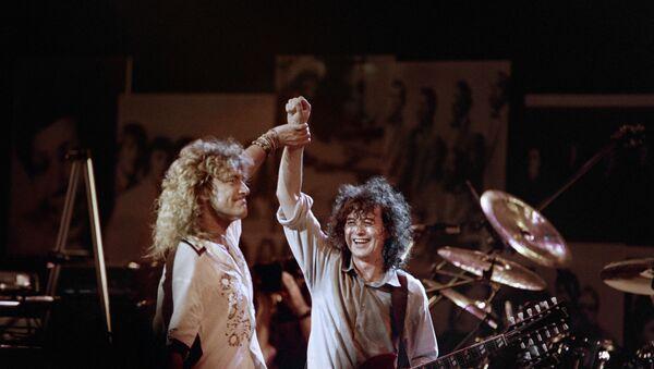 Led Zeppelin-Robert Plant ve Jimmy Page - Sputnik Türkiye