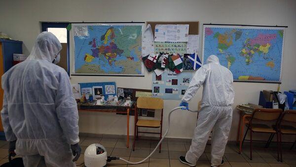 Yunanistan'da koronavirüs nedeniyle tüm okullarda eğitime 14 gün ara  - Sputnik Türkiye