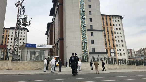 Umreden gelen ve korona virüs sebebiyle 14 gün karantina altında tutulacak olan vatandaşlar, Konya'da bulunan öğrenci yurtlarına yerleştirilmeye başlandı. - Sputnik Türkiye