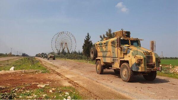 M4 karayolunda ilk Türk-Rus ortak devriyesi - Sputnik Türkiye