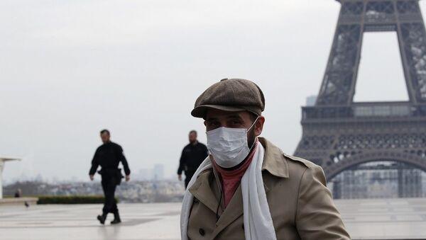 Fransa ordusu koronavirüse karşı savaşıyor: Paris'te askerler sokağa indi - Sputnik Türkiye