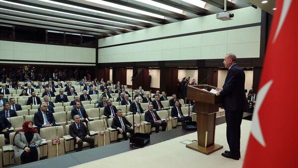 Türkiye Cumhurbaşkanı Recep Tayyip Erdoğan'ın başkanlığında, yeni tip koronavirüsle (Kovid-19) mücadele kapsamında yapılan Koronavirüsle Mücadele Eş Güdüm Toplantısı sona erdi.  - Sputnik Türkiye