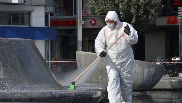 Belediyeler sokakları ve meydanları dezenfekte ediyor. - Sputnik Türkiye