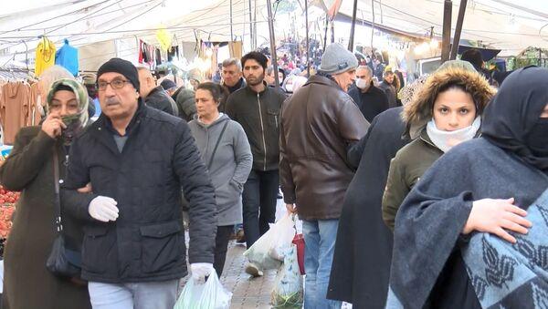 Güngören'de semt pazarı - Sputnik Türkiye