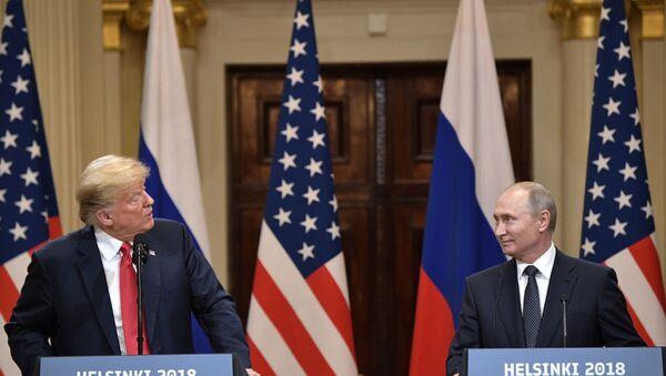 Vladimir Putin-Donald Trump - Sputnik Türkiye