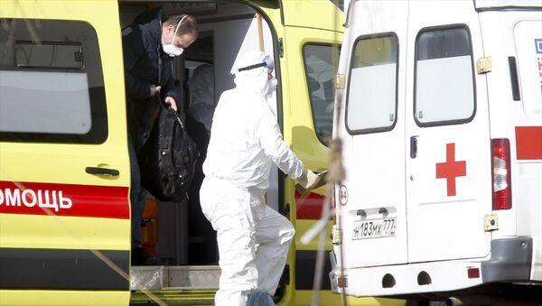 Yeni tip koronavirüs (Kovid-19) salgınına karşı Rusya'da önlemler devam ediyor - Sputnik Türkiye
