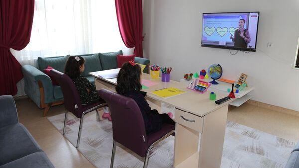 Milli Eğitim Bakanlığı (MEB)-uzaktan eğitim-EBA TV - Sputnik Türkiye