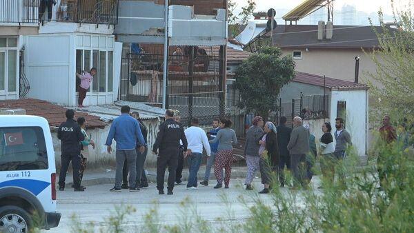 İki ailenin iki gündür süren kavgasına polisten sosyal mesafe cezası - Sputnik Türkiye