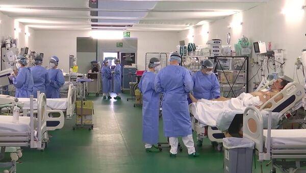 İtalya'nın Bergamo kentindeki sahra hastanesinde görev yapan Rus doktorlar - Sputnik Türkiye