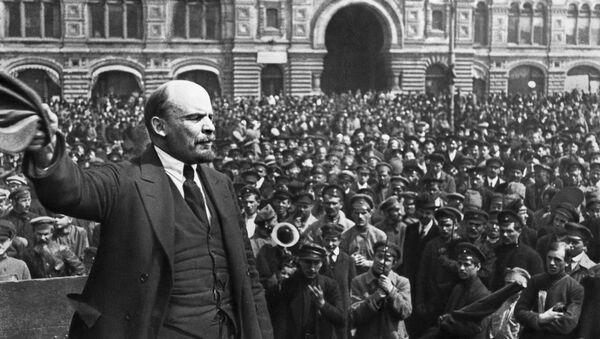 Vladimir Lenin Kızıl Meydan'da konuşma yapıyor. Moskova, 1919. - Sputnik Türkiye