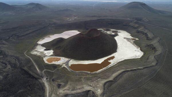 'Dünyanın nazar boncuğu' Meke Gölü kurudu - Sputnik Türkiye