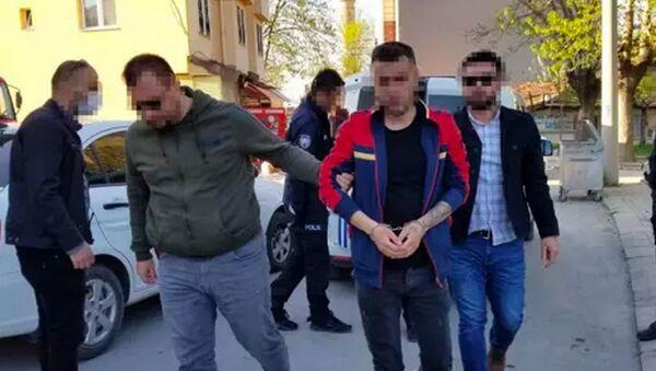 Babasını dövüp ev hapsinden kaçan Veysel S. - Sputnik Türkiye