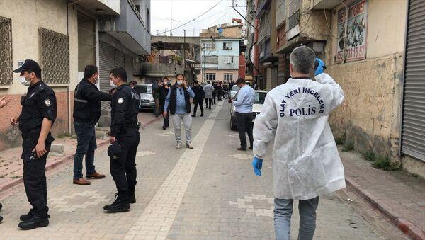 Adana'da dur ihtarına uymayan genç öldürüldü - Sputnik Türkiye