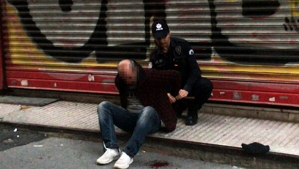 Beyoğlu'nda 5 yaşındaki kız çocuğuna taciz girişiminde bulunan adam suçüstü yakalandı - Sputnik Türkiye