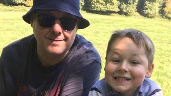 Evan Cadby ve babası Chris Cadby - Sputnik Türkiye