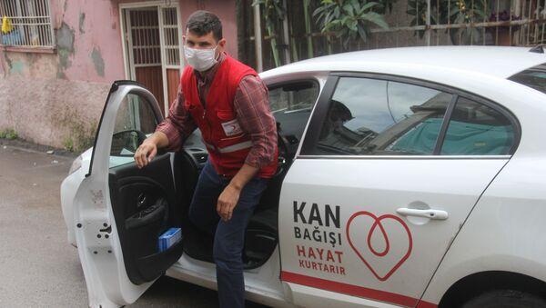 Kızılay Adana'da kan bağışı yapmak isteyenler için 'VIP' hizmeti başlattı - Sputnik Türkiye