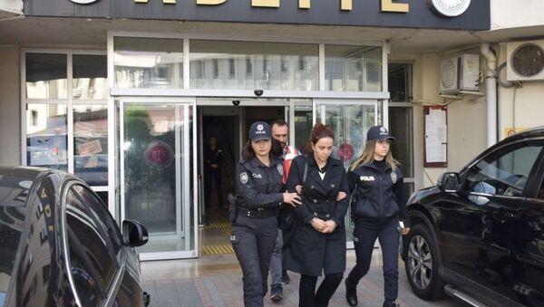 Fetullah Gülen'in İstanbul Beykoz'da sahte kimlikle yakalanan yeğeni Zeynep Gülen - Sputnik Türkiye