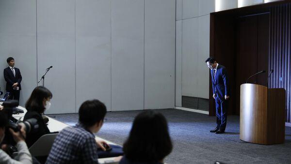 Samsung'un veliahtı Lee Jae-yong rüşvet skandalı nedeniyle özür diledi - Sputnik Türkiye