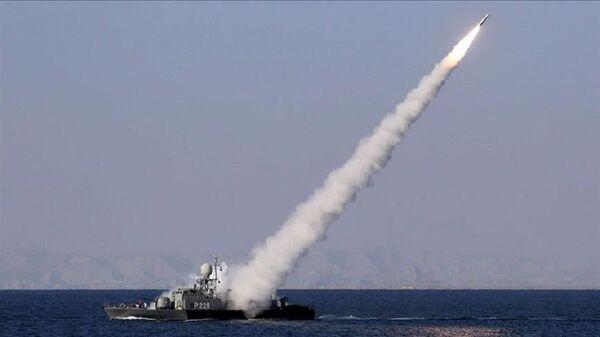 İran medyası: Basra Körfezi'nde savaş gemisi yanlışlıkla vuruldu - Sputnik Türkiye