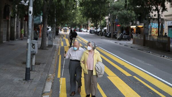 yaşlı - maske - koronavirüs - İspanya - Barcelona - Sputnik Türkiye