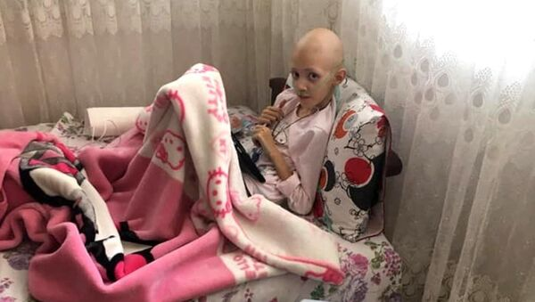 Lenf kanseri kızı için yardım isteyen baba dolandırıldı - Sputnik Türkiye