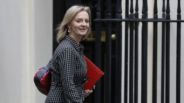 İngiltere Uluslararası Ticaret Bakanı Elizabeth Truss - Sputnik Türkiye