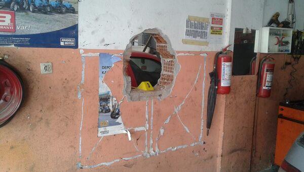 İzmir'de hırsızlar duvarları delip eczaneye girdi - Sputnik Türkiye