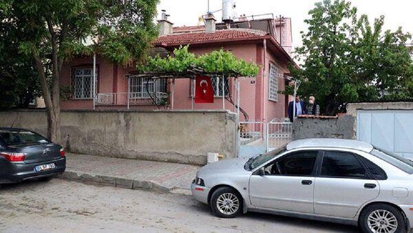 Su isteyen kişiye kapıyı açan 85 yaşındaki kadın darbedilerek, soyuldu - Sputnik Türkiye