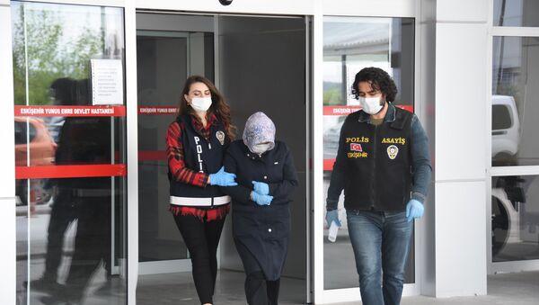 14 yaşındaki kızını cinsel ilişkiye zorlayan anne ve sevgilisi mahkemede birbirlerini suçladı - Sputnik Türkiye