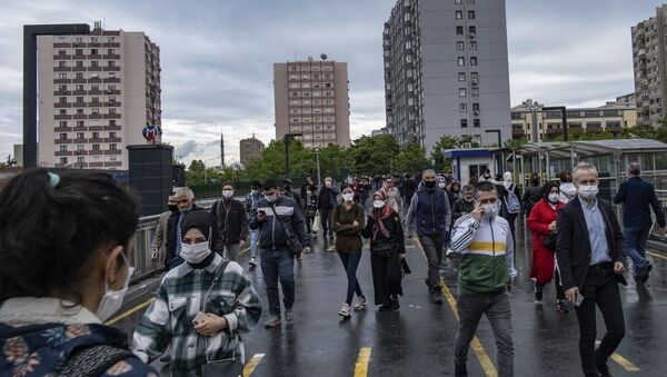 İstanbul - koronavirüs - maske - metrobüs üst geçidi - Sputnik Türkiye