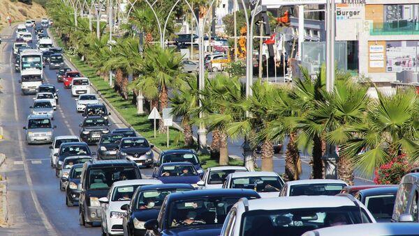 Bodrum'da tatilci sayısı 700 bine çıkacak: 'Pılını pırtını toplayan buraya geldi' - Sputnik Türkiye