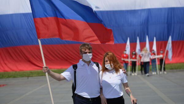 Rusya Günü - Rusya Bayrağı – maske - koronavirüs - Sputnik Türkiye