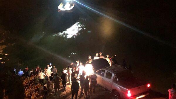 Erzincan'da bir araç nehre düştü - Sputnik Türkiye