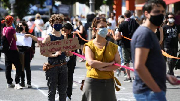 Almanya-ırkçılık karşıtı protesto - Sputnik Türkiye