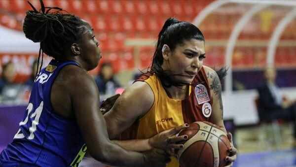 Galatasaray'da ikinci ayrılık: Tilbe Şenyürek, takıma veda etti - Sputnik Türkiye