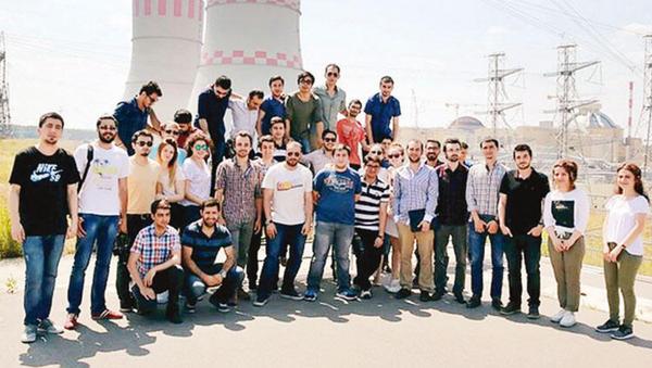 Rusya'da eğitim alan Türk gençler Akkuyu'da çalışmaya başladı - Sputnik Türkiye