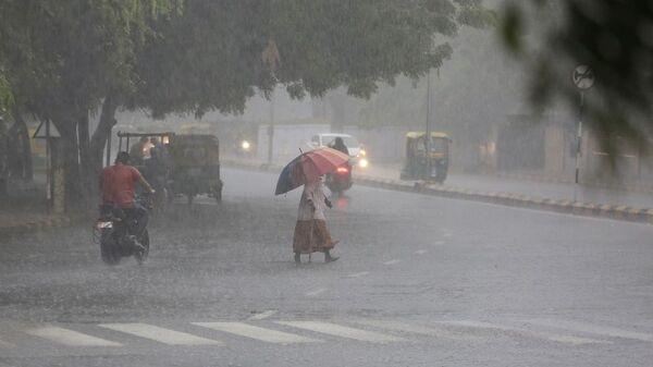 Hindistan-yağmur-sağanak - Sputnik Türkiye