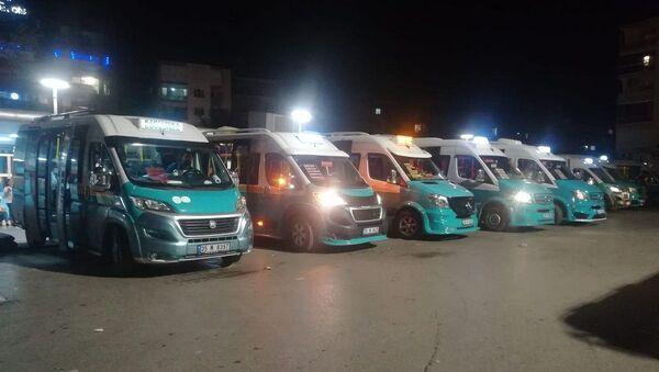 İzmir'de minibüs şoförleri koronavirüs testi yaptıracak - Sputnik Türkiye