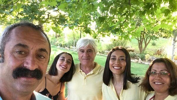 Maçoğlu'nun eşi ve kızının da Kovid-19 testlerinin pozitif çıktığı ve durumlarının iyi olduğu belirtildi. - Sputnik Türkiye
