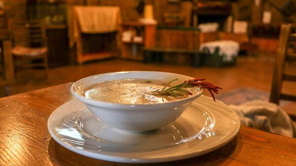 Mantar Evi: Tatlısından dönerine 60 çeşit mantar yemeği - Sputnik Türkiye
