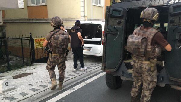 İstanbul'da Özel Harekat destekli torbacı operasyonu: 55 gözaltı - Sputnik Türkiye